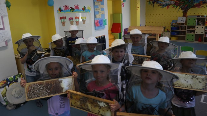 Bee Keeper Visits PORG International School